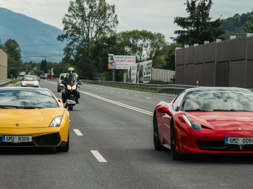 Ferrari vs Lamborgini  Praha